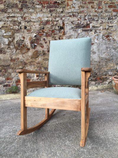 Project Mireille - Nieuw gestoffeerde schommelstoel, voorzijde